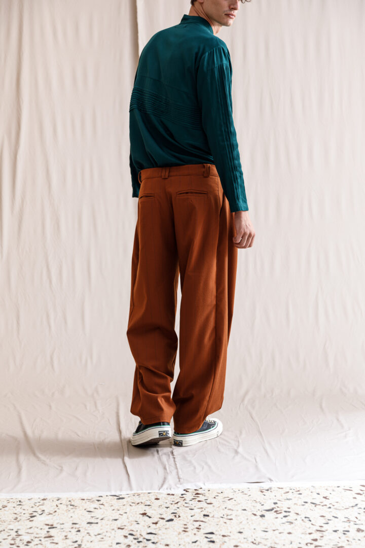 Hashmiya pants rust striped