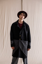 Mutter cape coat black