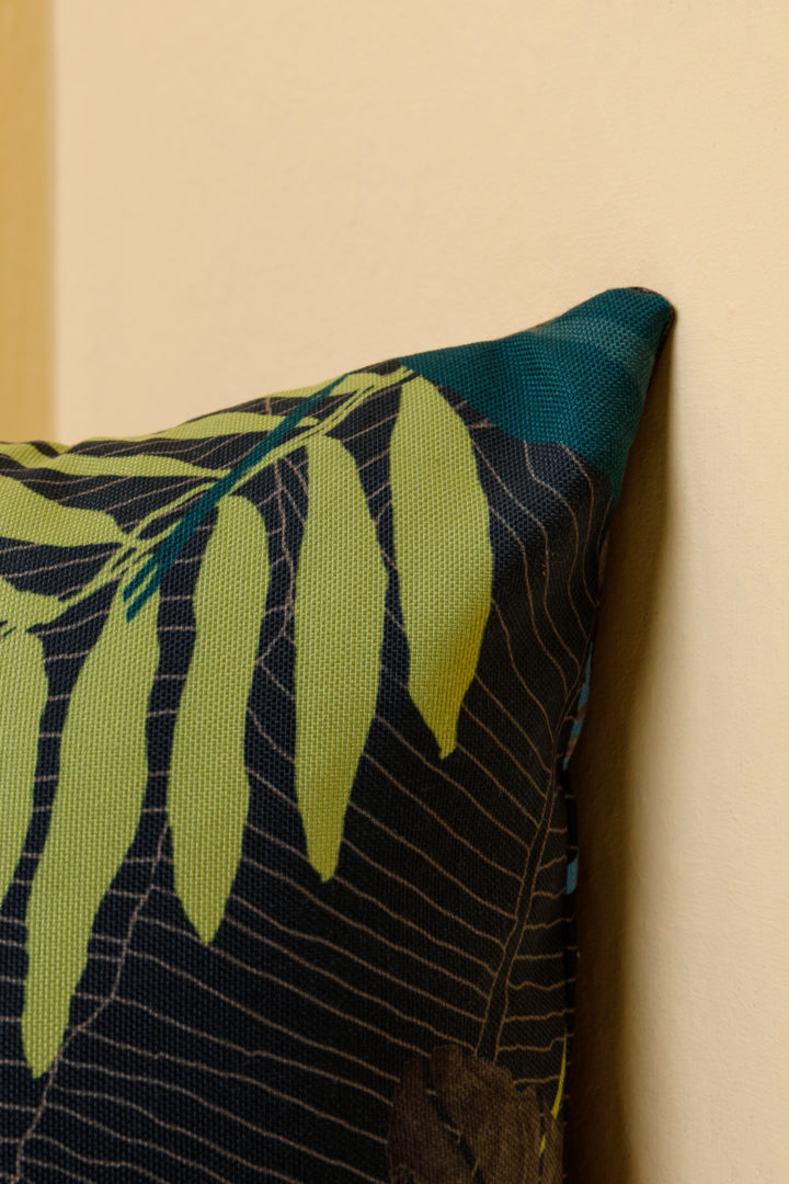 Solo pillow with pillowcase jungle