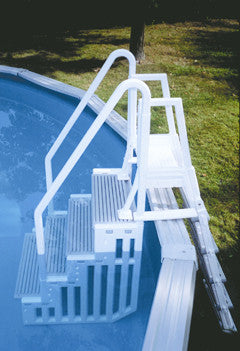 In-pool Step and Outside Ladder