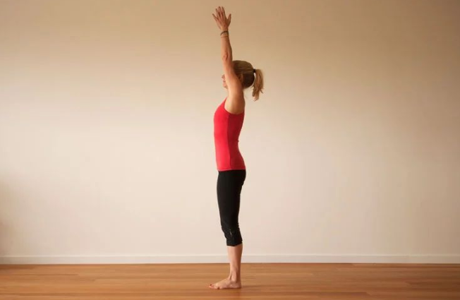 "Do ""Sun Salute"" Yoga 10 times a day to help you lose weight and shape your body!"