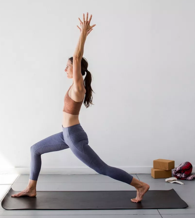 6 yoga poses suitable for beginners, you can practice at home