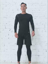 Load and play video in Gallery viewer, Men's new five-piece fitness suit, tight-fitting workout clothes can be worn in all seasons. SR-09M