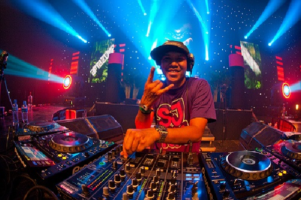 Chuckie Live House & Progressive DJ-Sets SPECIAL COMPILATION (2010 - 2018)