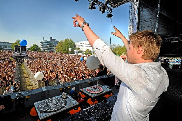 Ferry Corsten Live Euphoric Trance DJ-Sets 16GB USB-DRIVE / DVD COMPILATION (2011 - 2020)