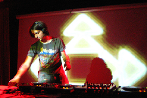 James Holden Live Progressive House & Trance DJ-Sets DVD Compilation (2001 - 2006)