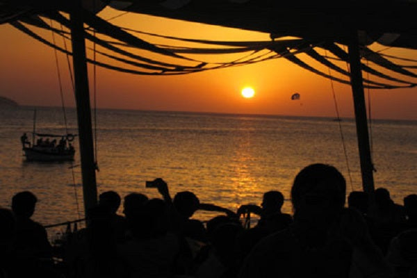 Cafe Mambo in Ibiza Live Sunset Chillout DJ-Sets DVD Compilation (1999 - 2019)
