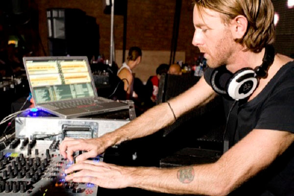 Richie Hawtin Live Classics, Techno & Tech House Audio & Video DJ-Sets ULTIMATE COMPILATION (1989 - 2020)