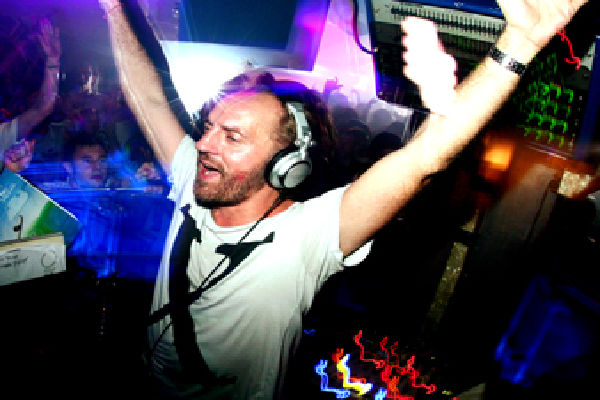 Sven Vath Live Minimal Techno DJ-Sets DVD / 16GB USB-DRIVE COMPILATION (2010 - 2020)