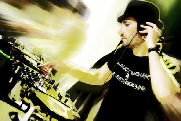 Danny Howells Live Tech House & House DJ-Sets SPECIAL COMPILATION (2000 - 2006)