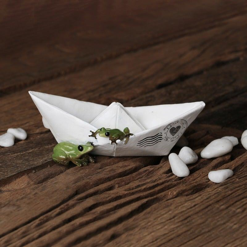 Frogs Boat White Mini Object
