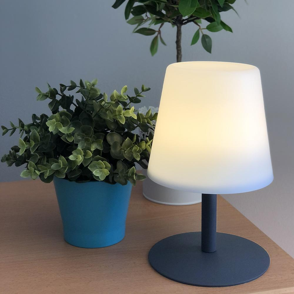 Lampe de table LED sans fil pied en acier Stone Grey STANDY MINI H25 Collection Capsule - REDDECO.com