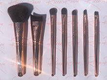 Load image into Gallery viewer, Rose Crown 7 Piece Makeup Brush Set