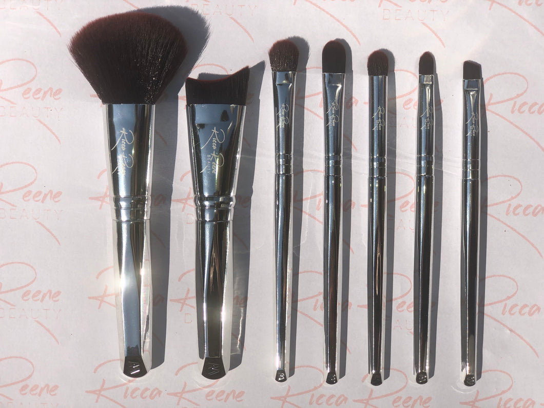 Sophisticated Silver 7 Piece Makeup Brush Set