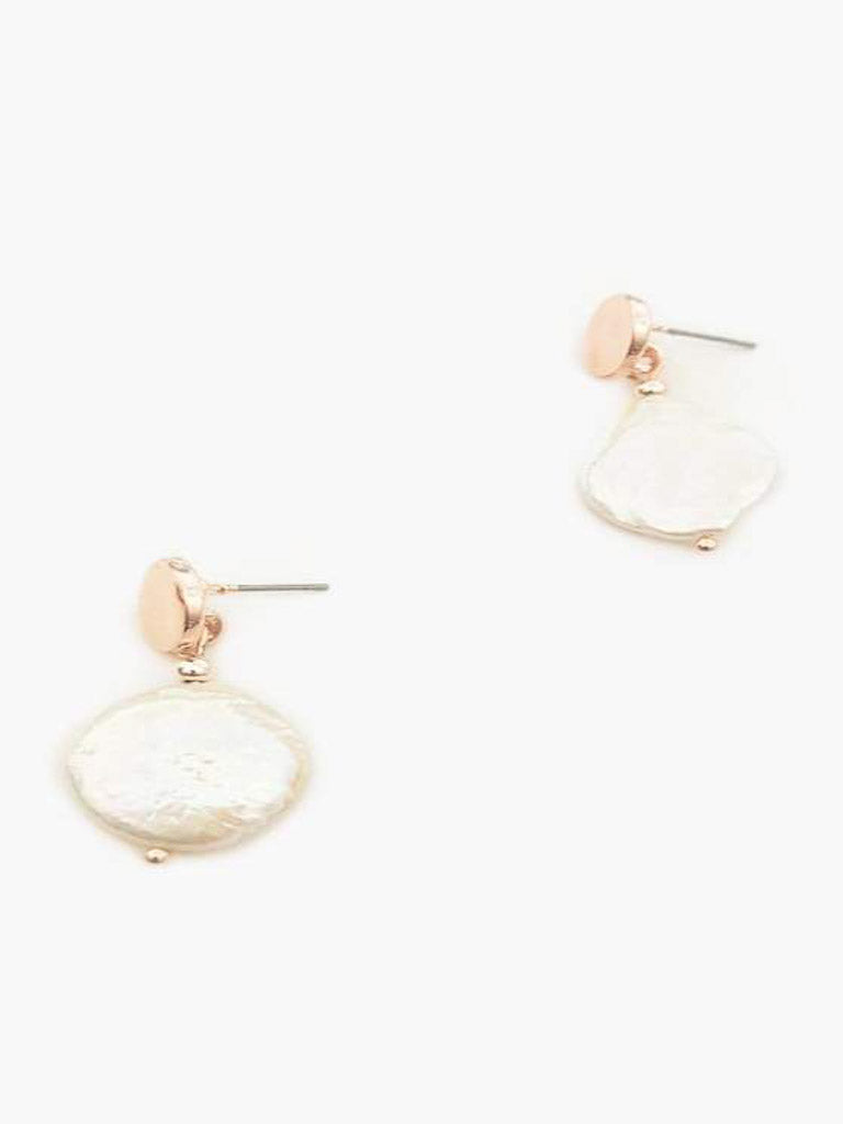 Fresh water pearl drop earnings with gold plated metal