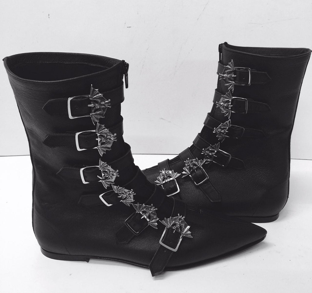Original Pikes- 6 Bat Buckle Boots