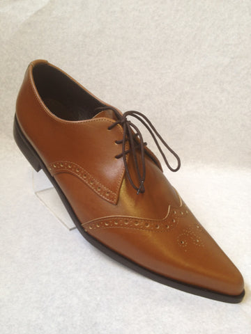 Bugsy Brogue Winklepicker Shoes in Tan Leather