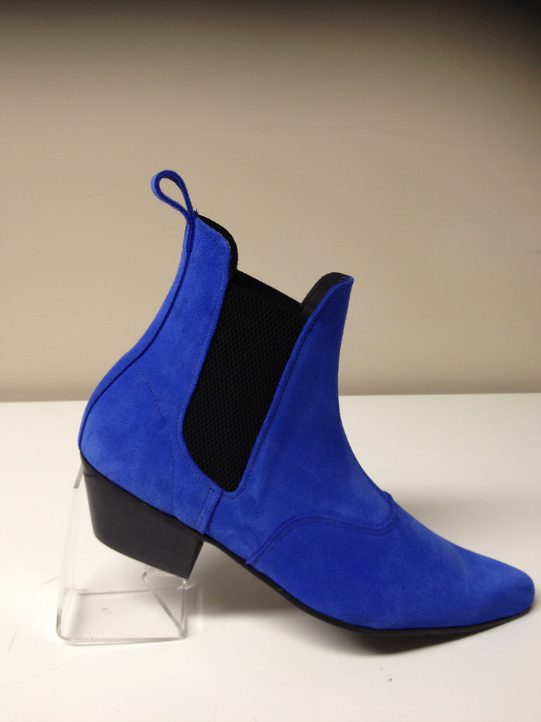 Beat Boots in Blue Suede