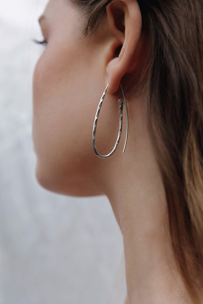 Load image into Gallery viewer, Silver Hammered Hoop Earrings