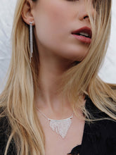 Load image into Gallery viewer, Silver Cascading Faceted Necklace
