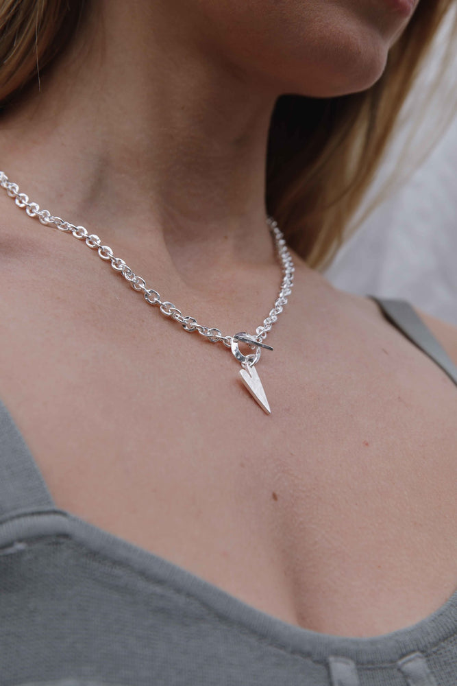 Load image into Gallery viewer, Silver Hammered Pointed Heart Necklace