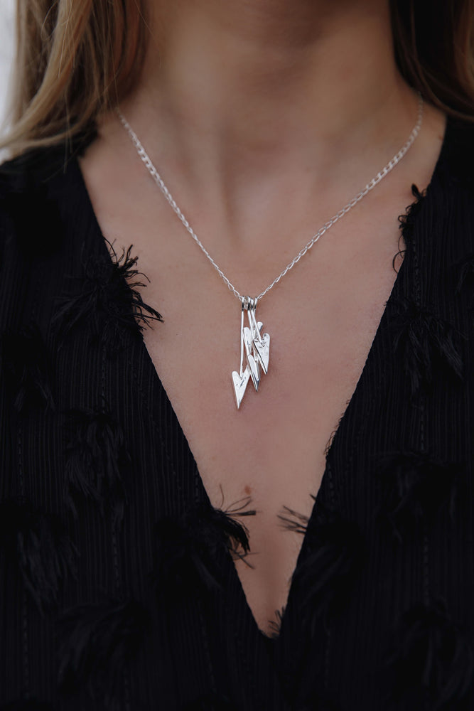 Load image into Gallery viewer, Silver Pointed Heart Charm Necklace