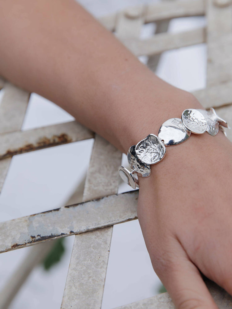 Load image into Gallery viewer, Silver Triple Textured Curved Disc Bracelet