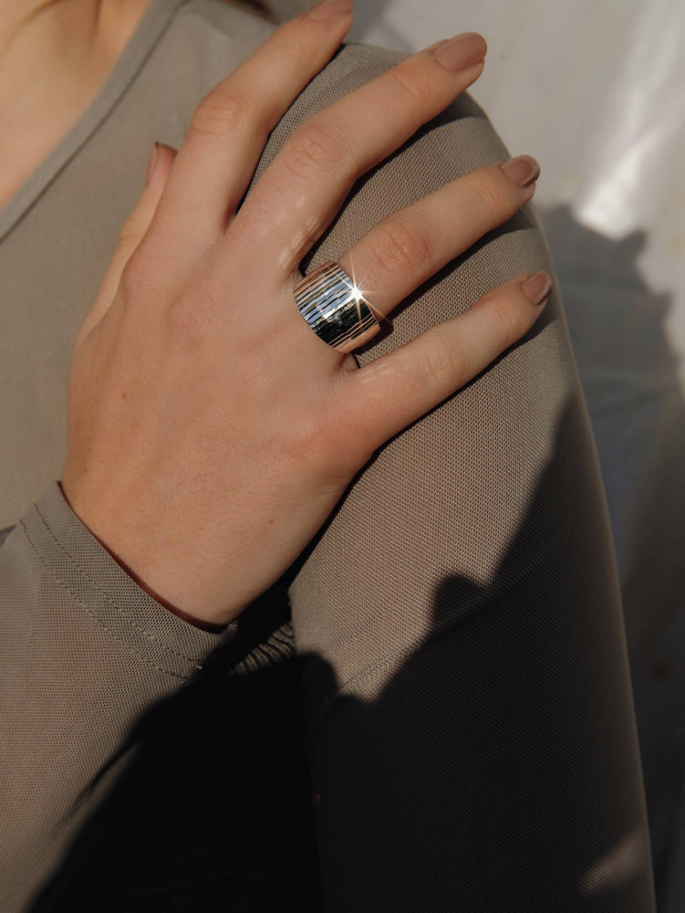 Load image into Gallery viewer, Silver Faceted Sparkly Ring