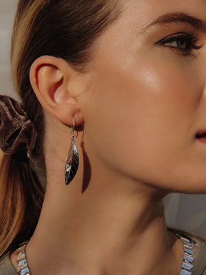 Load image into Gallery viewer, Silver Leaf Drop Earrings