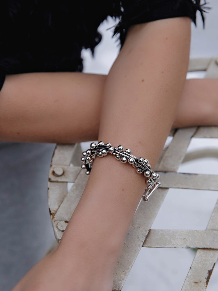 Load image into Gallery viewer, Silver Oxidised Bead Peppercorn Bracelet