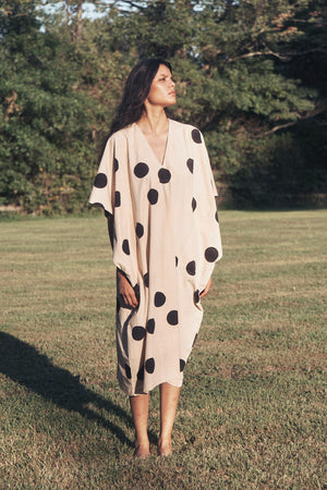 Open image in slideshow, Cocoon shape Caftan - Polka dots print in Powder / Black- SOLD OUT