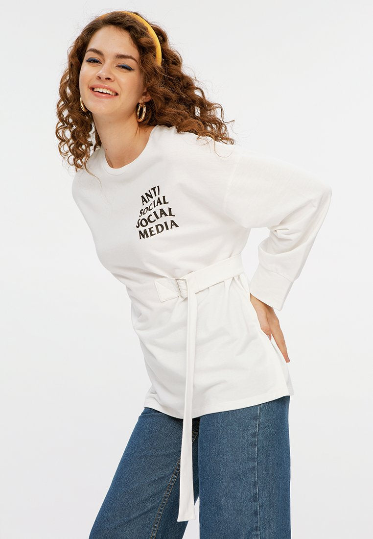 Long Sweatshirt with Buckle
