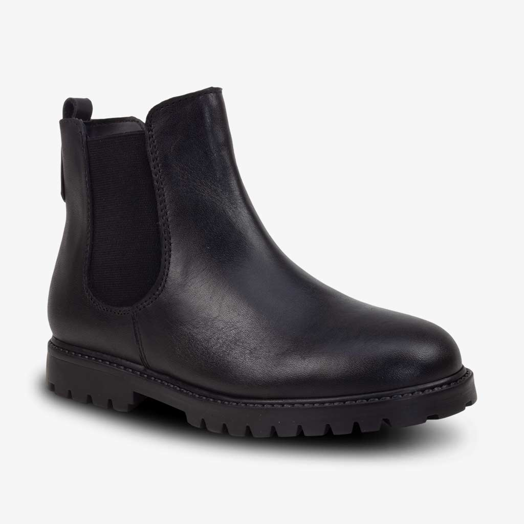 CLASSIC CHELSEA BOOTS IN BLACK - Term Footwear