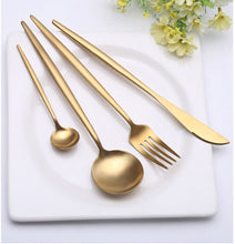 Load image into Gallery viewer, set Gold european Dinnerware knife