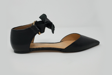 Load image into Gallery viewer, Eleora Leather Flats