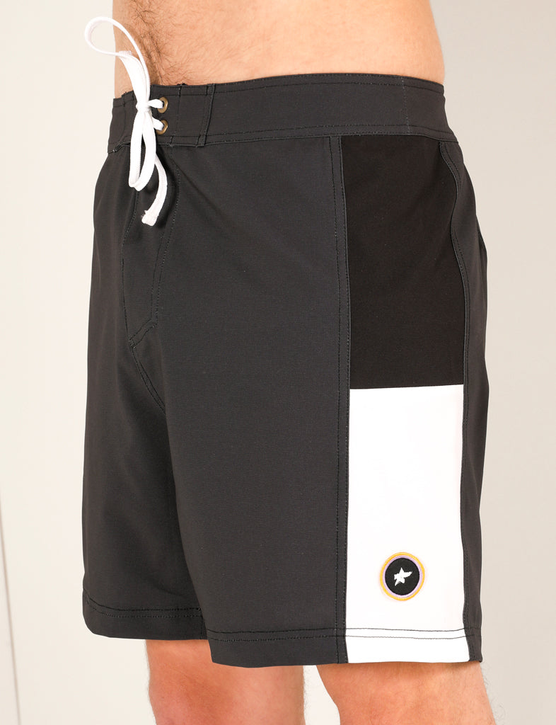 PUKAS - BLACK AND WHITE BOARDSHORTS