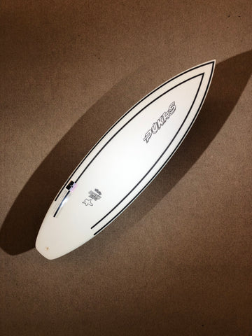 "Pukas Surfboard - INNCA Tech - TASTY TREAT by Axel Lorentz- 6'02"" x 20 x 2,69 x 35,07L"