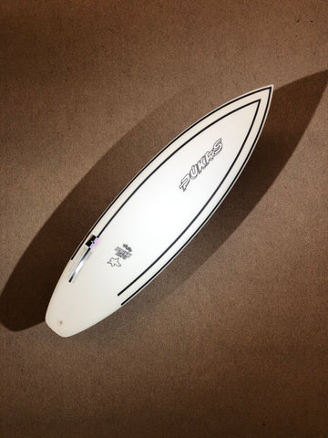 "Pukas Surfboard - INNCA Tech - TASTY TREAT by Axel Lorentz- 6'0"" x 19,5 x 2,56 x 31,71L"