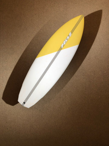 "Pukas Surfboard - DAKO ROO by Eye Symmetry - 6'0"" x 21 1/4 x 2 7/16 x 34,2L - PE00077"