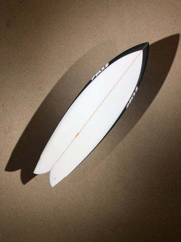 "Pukas Surfboard - PEGASO by Chris Christenson - 5'08"" x 19 1/4 x 2 1/2 - 31.72L - Ref: PC00220"