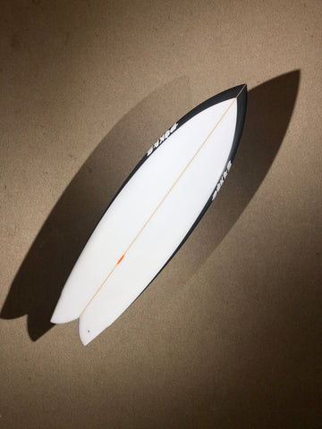 "Pukas Surfboard - PEGASO by Chris Christenson - 5'08"" x 19 1/4 x 2 1/2 - 31.72L - Ref: PC00221"