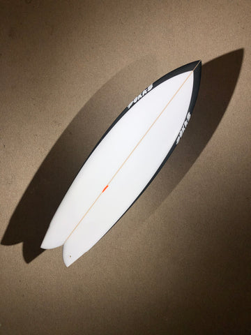 "Pukas Surfboard - PEGASO by Chris Christenson - 5'10"" x 19 1/2 x 2 9/16 - 33.89L - Ref: PC00223"