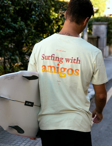 SURFING WITH AMIGOS - TEE