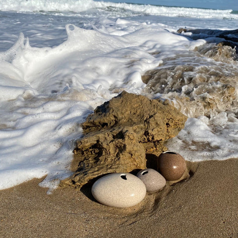 sand pebbles in the surf