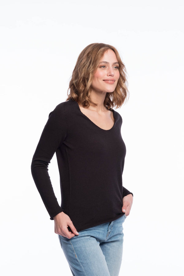Seamless organic merino thin knit | Deep black