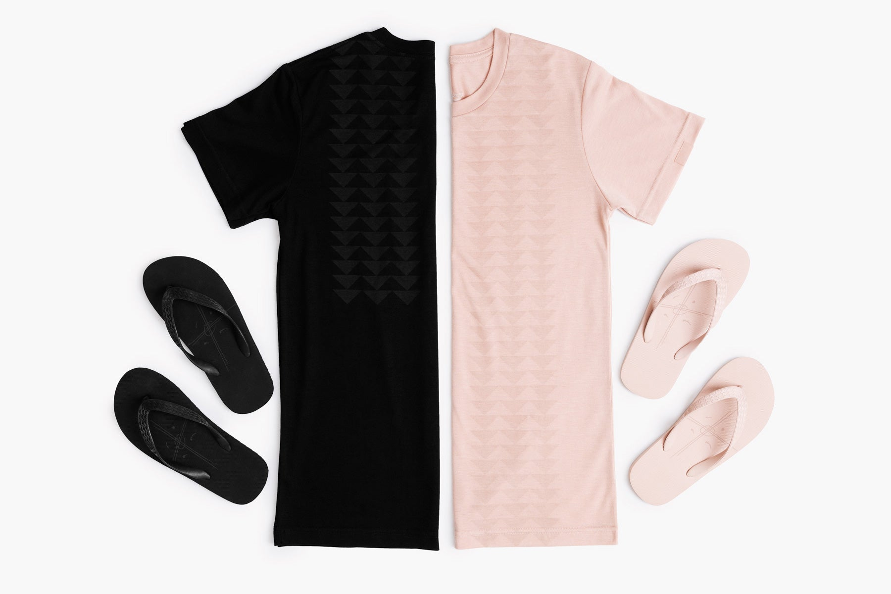 The so ill x on the roam dirty pink nokoa tee is shown with the Kanaka sandals