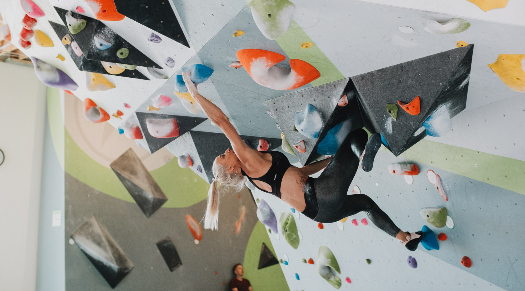 31447b1c11 courtney sanders boulders while wearing so ill shimmer leggings and so ill  free range lv