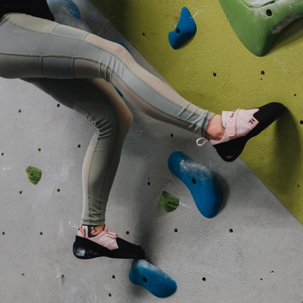 So iLL green mesh leggings being worn while in a bouldering gym