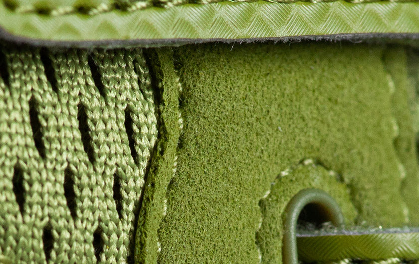 So iLL runner lv in olive Climbing Shoe close up of eye row