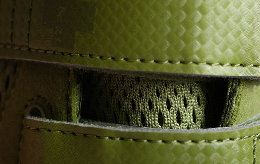 So iLL runner lv in olive Climbing Shoe close up of straps